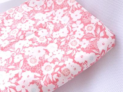 シーチング:濃いピンクに白花.jpg